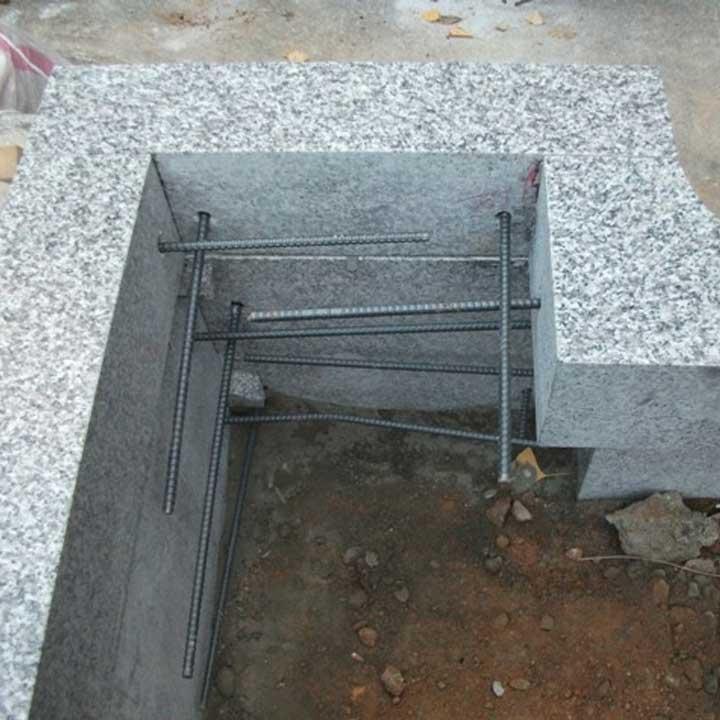 お墓の基礎や外柵を鉄筋で補強して耐震
